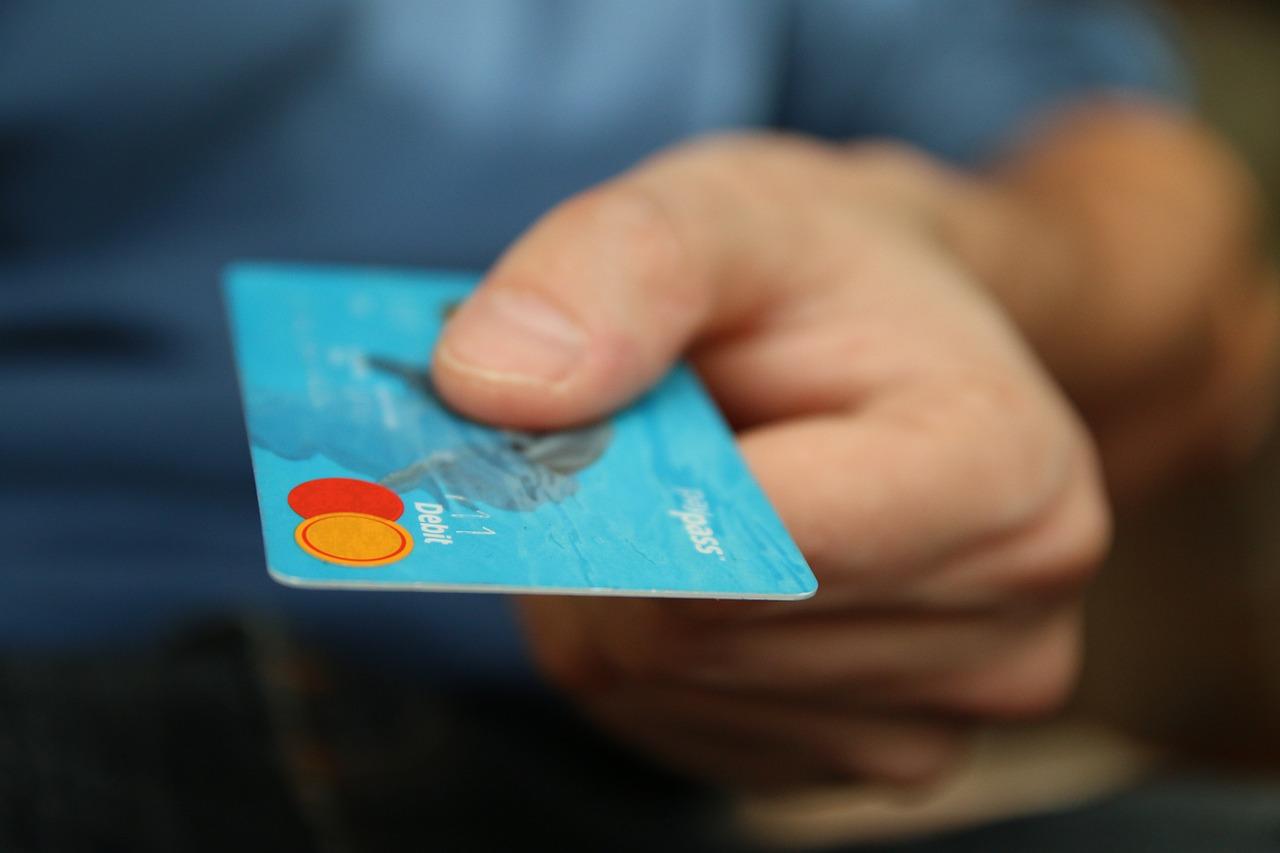 abrir puerta tarjeta credito